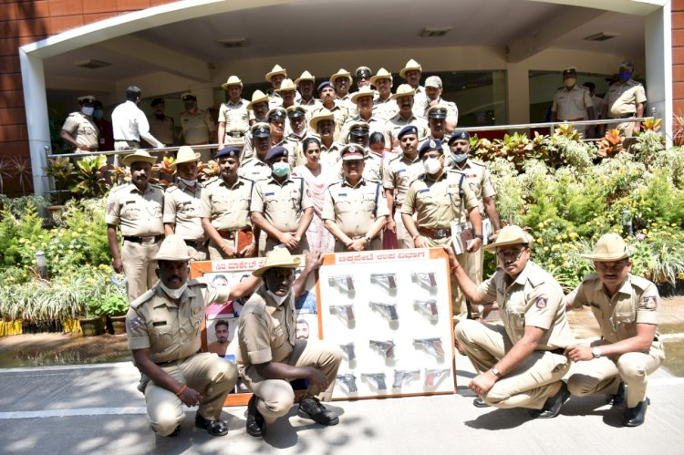 City Market Police busted Inter-state gun trading racket: 8 arrested 13 pistols recovered